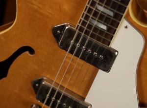 Обзор гитары Epiphone Casino 1983 — Какую гитару выбрать