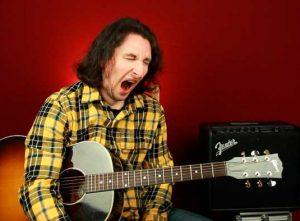Как играть простой минорный блюз на акустической гитаре